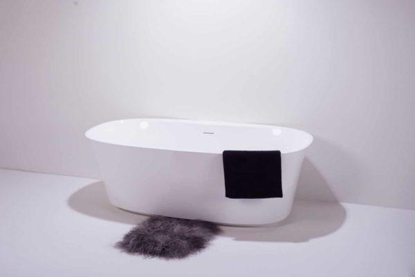 maxxwell-napoli-badekar
